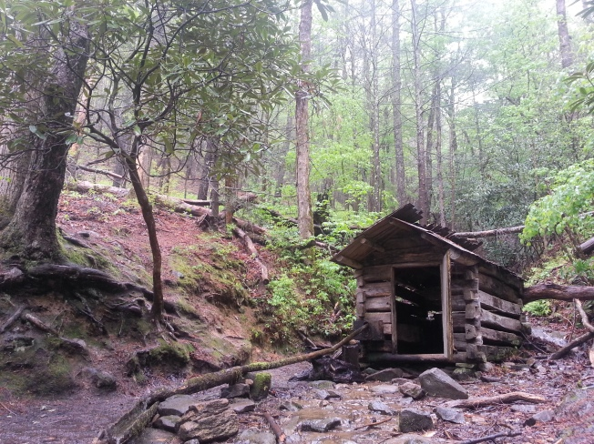 """alt=""""cabin in the woods"""""""